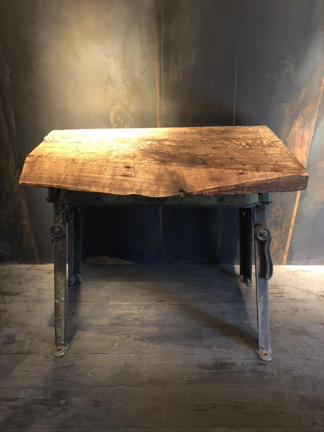 ハイテーブル W1000 D600 H900 (高さ調整可)